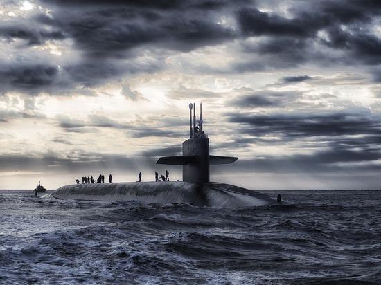 Командующий Северным флотом поведал размер зарплаты командира подлодки