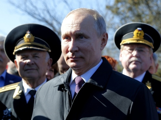Путин в Крыму именовал Украину исключительно «соседней страной»