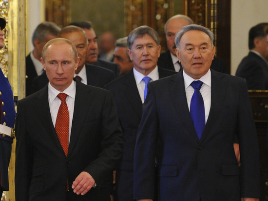 Стало известно, о чем Назарбаев говорил с Путиным перед отставкой