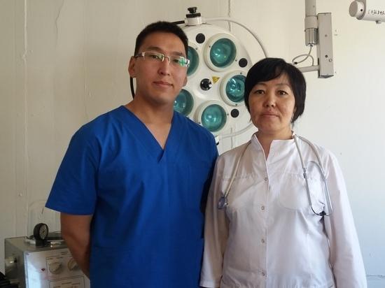 Хирурги Тувы в условиях сельской больницы провели сложнейшую операцию женщине, впавшей в кому