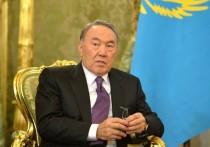 После отставки президента Нурсултана Назарбаева минимум год - до намеченных на апрель 2020 года президентских выборов Казахстаном будет руководить Касым-Жомарт Токаев