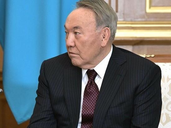 Причину отставки Назарбаева связали с его здоровьем