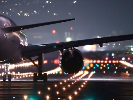 Самолет с 50 пассажирами загорелся в аэропорту Тегерана
