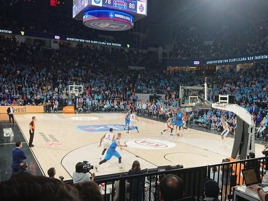 Туман и турок Атаман: баскетбольный ЦСКА вырвал победу в Стамбуле
