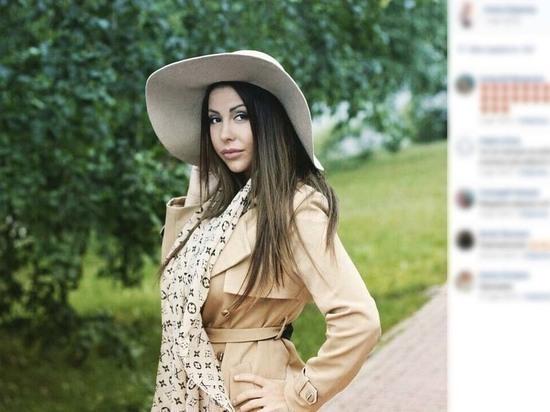 Порно-звезду Елену Беркову экстренно госпитализировали в Москве