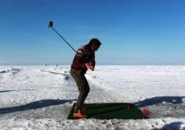 В соревнованиях по ледовому гольфу на Байкале победил китаец