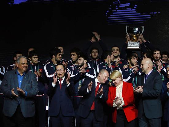 «Нам в «Триумф»: как Россия завоевала Кубок мира по вольной борьбе
