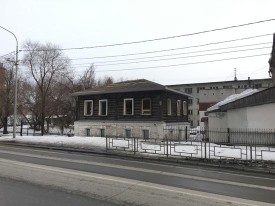 Старинную усадьбу начали сносить в Барнауле ради нового здания прокуратуры