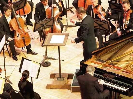 В Москве выступил знаменитый пианист Жан-Ив Тибоде