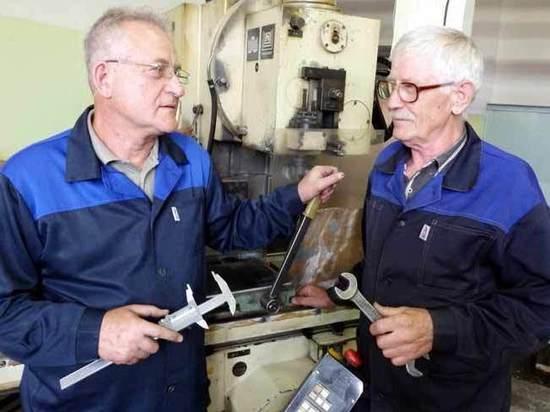 Старость меня дома не застанет: треть пенсионеров продолжает трудиться