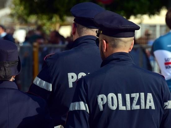 Под Миланом водитель-сенегалец угнал и поджег школьный автобус