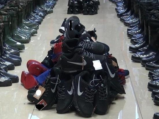 Пятьсот пар контрафактных кроссовок изъяли у бийского бизнесмена