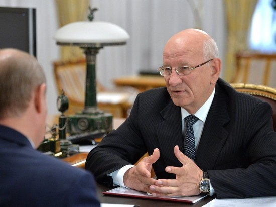Губернатор Оренбургской области попросился в отставку вслед за мурманским