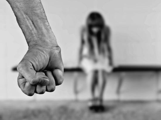 Два улан-удэнца изнасиловали девочку и сняли это на видео
