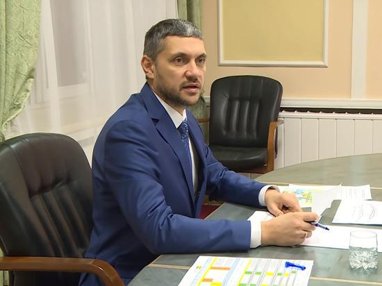 Российский губернатор заплакал после вопроса о проблемах многодетной семьи