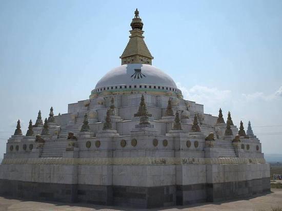 В Бурятии 90-летняя инвалид пожертвовала на буддийскую святыню сумму, накопленную за 2 года
