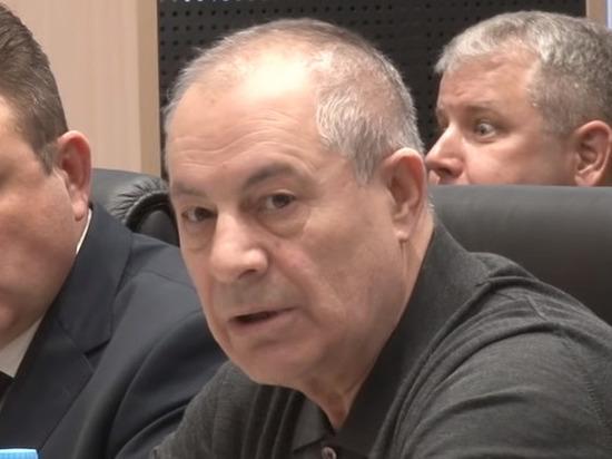 Российского депутата лишили полномочий за оскорбление малоимущих пенсионеров