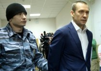 Полковник-миллиардер Дмитрий Захарченко, обвиняемый в коррупции, заявил, что рассчитывает на оправдательный приговор