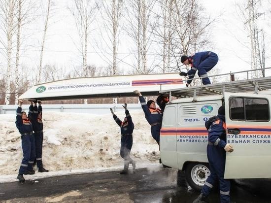 В Саранске спасатели перед паводком осмотрели технику