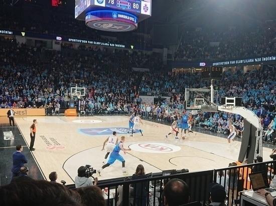 Баскетбольный ЦСКА обыграл лидера Евролиги
