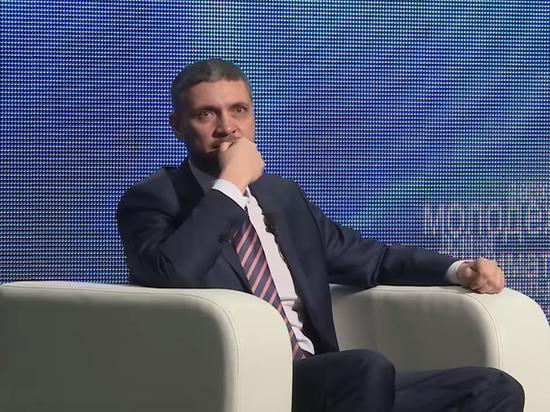 Российский губернатор снова расплакался из-за жалости к россиянам