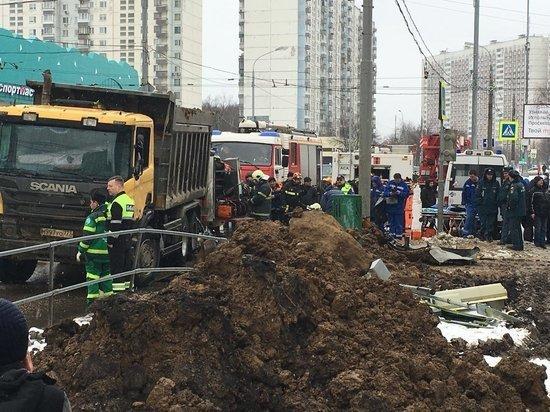 У погибшего в Ясенево под упавшим самосвалом таксиста не нашли лицензии