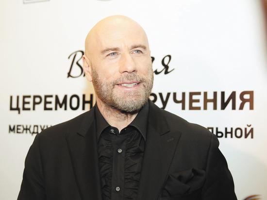 Джон Траволта вручил премию «BraVo» за «Одиночество»