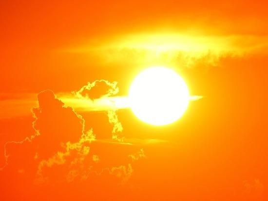Эксперт пояснил, насколько опасны недавние вспышки на Солнце