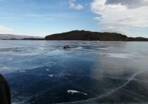 Байкер провалился под лёд на Малом Море