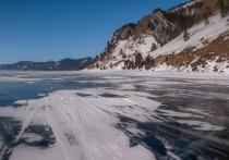 50-летняя туристка погибла, катаясь на коньках на Байкале