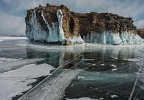 Туристка из Воркуты провалилась в трещину на Байкале и замёрзла