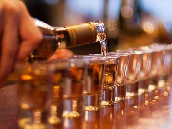 Россияне объяснили употребление алкоголя традицией пить по праздникам