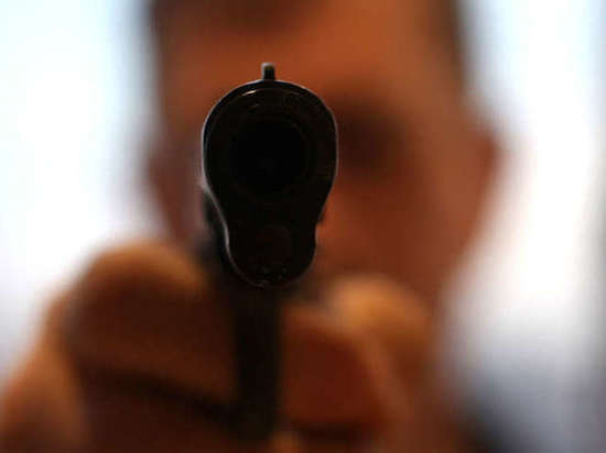 Липчанин застрелил знакомого и тяжело ранил девушку