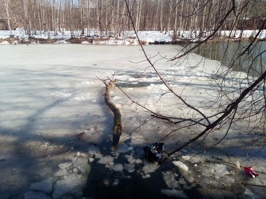 Рыбак провалился под лед в Нижнем Новгороде