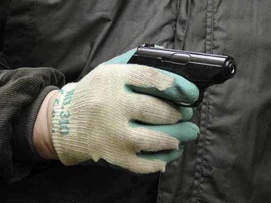 В Москве бомжи ограбили мужчину при помощи пистолета-невидимки
