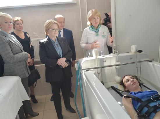 Министр здравоохранения Скворцова бессмертных  в Саратове не нашла