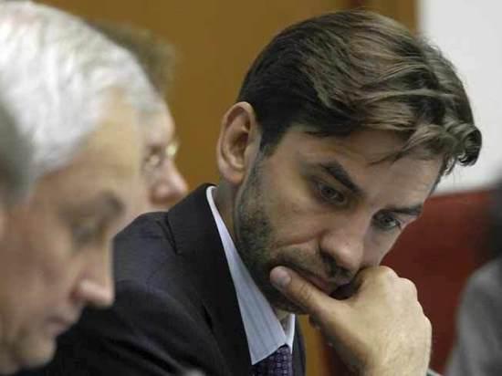 Правозащитник назвал задержанного Абызова самым бесполезным министром