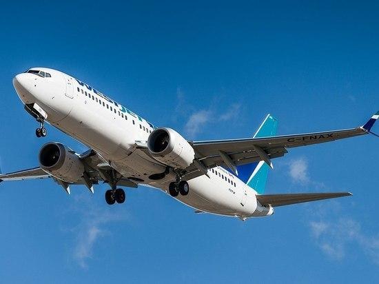 Во Флориде экстренно сел Boeing 737 из-за проблемы с двигателем