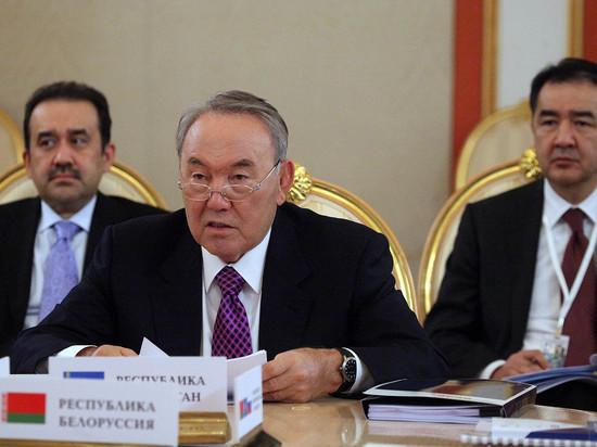 Россияне назвали причину отставки Нурсултана Назарбаева