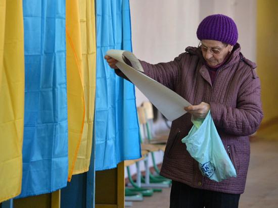 Кандидатам в президенты Украины  нашли алкогольных клонов