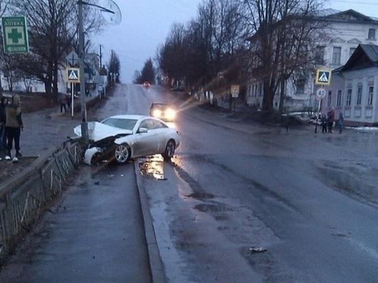 ДТП в Кашине Тверской области попало на камеры видеонаблюдения