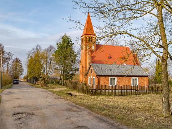 От «церкви на песке» — к храму РПЦ под Краснознаменском