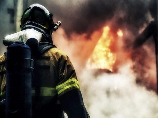 Четыре человека погибли во время пожара в жилом доме Комсомольска-на-Амуре