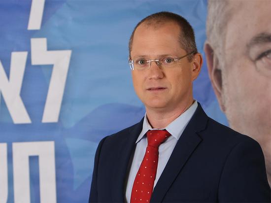 Форер предлагает Сократить наполовину налог на служебный транспорт