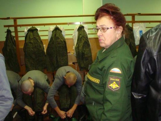 Лидер Комитета солдатских матерей рассказала о Сердюкове и дедовщине
