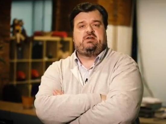 Комментатору Василию Уткину брызнули влицо «черемухой»