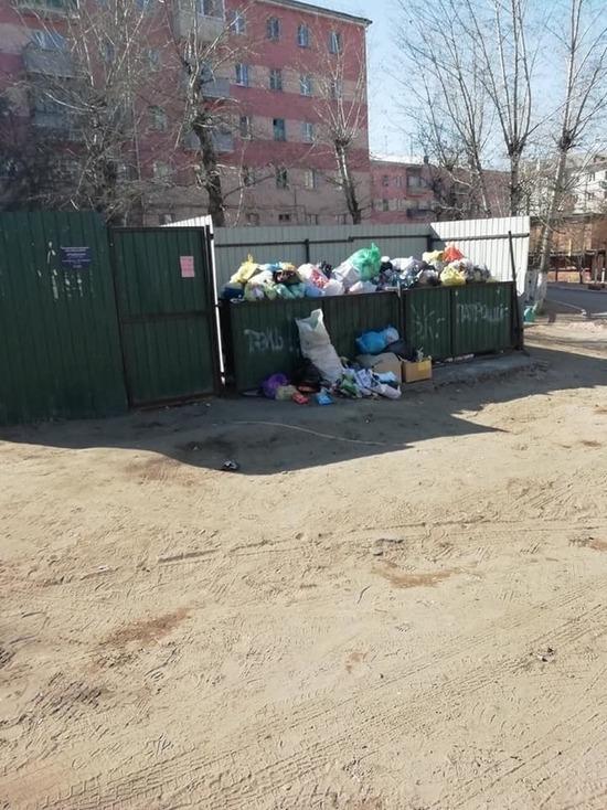 Улан-Удэ начались перебои с вывозом мусора