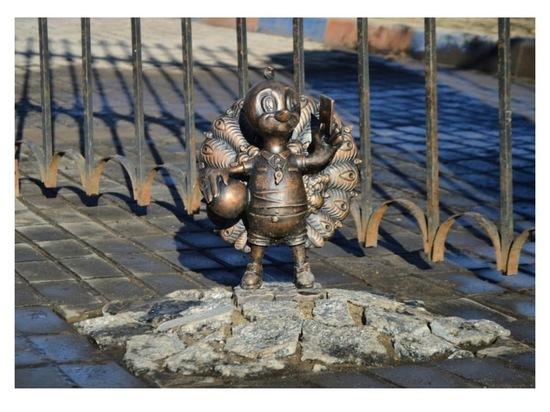 Новые скульптуры Ильи Дюкова устанавливают на улицах Серпухова