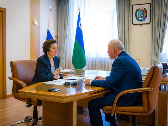 О положении дел в муниципалитете губернатору Югры Наталье Комаровой доложил глава Сургута Вадим Шувалов