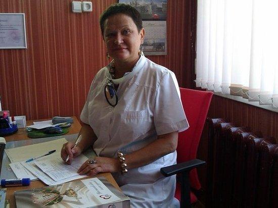 Мужа умершей в ЦГБ Азова девушки, врач обвинила в отравлении своей жены